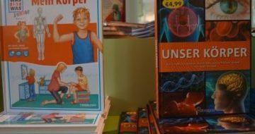 Auswahl verschiedenster Bücher rund ums Thema Gesundheit, Körper, MENSCH.